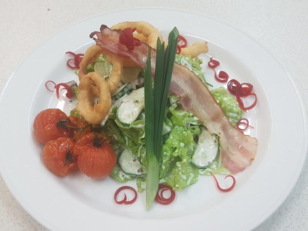 Прусский салат с запечёным мясом